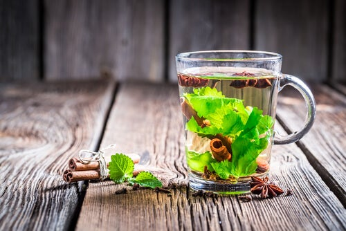 Lower your blood sugar level with green tea.