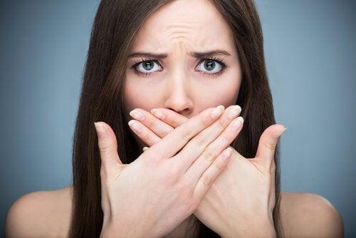 Common vitamin deficiencies that may cause bad breath
