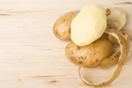 Peeled potato.