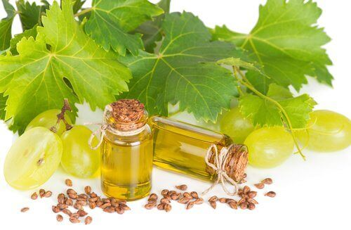 Strengthen weak nails with grape seed oil grape leaves