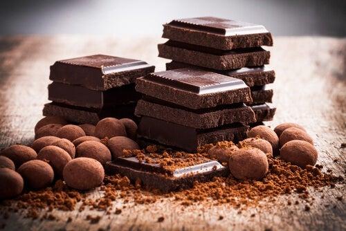 위산 역류가 있을때 피해야할 식품 초콜렛