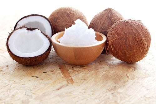 natural coconut oil for defined curls