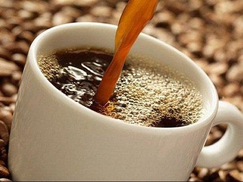 fazer cafe engorda