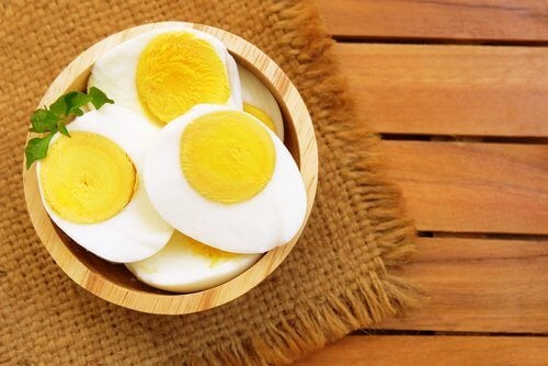Some hard boiled eggs which are one of the meals to eat for dinner.