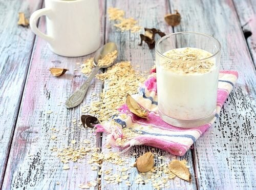 Drinking Oat Milk: What Are the Benefits?