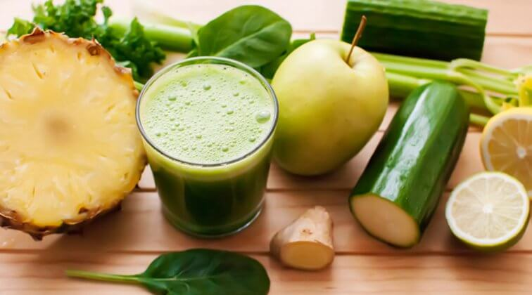 Pineapple and cucumber detox drinks