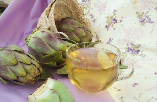 You can fight fatty liver with artichoke water.