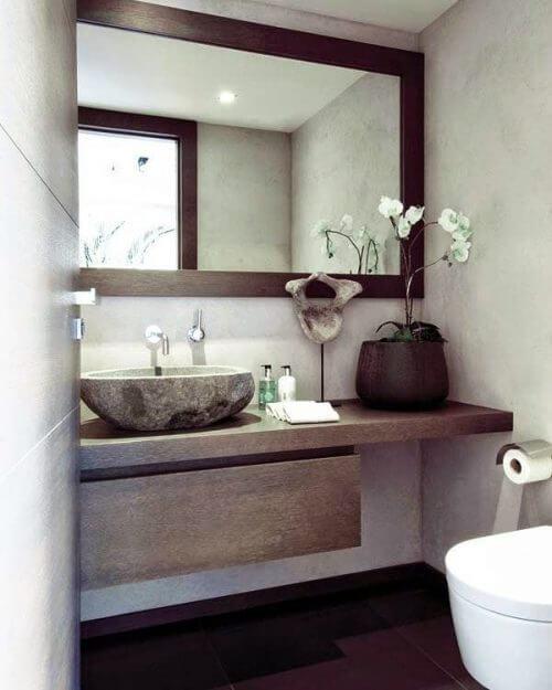 Use a big mirror to make your bathroom look bigger