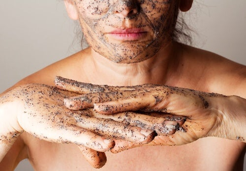 4 Exfoliating Body Scrubs Made with Essential Oils