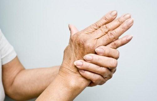 hand and wrist pain