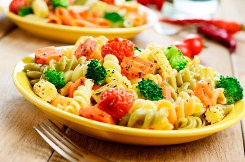 Pasta and veggies... yummy!