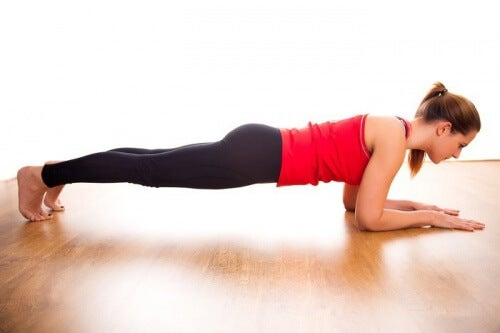 Try this exercise to tone your abs at home