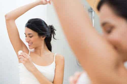 5 Natural Deodorants to Say Goodbye to Underarm Odor