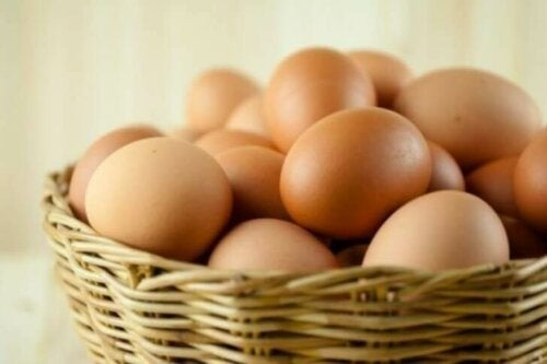 A basket of eggs.