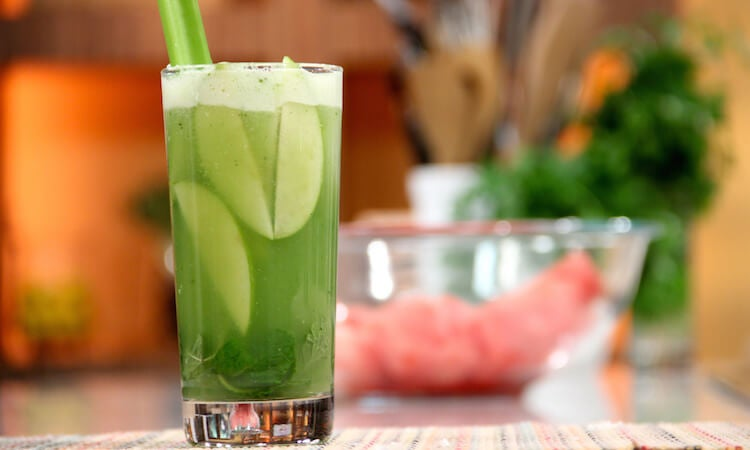 Aloe vera, cucumber and apple smoothie