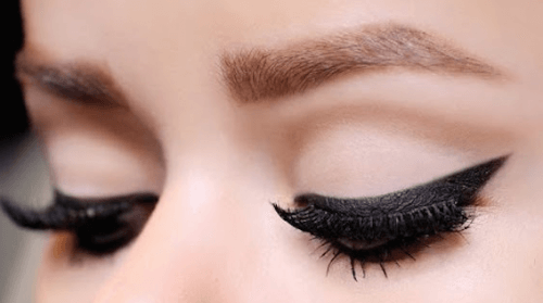 11 Tips for Applying Eyeliner