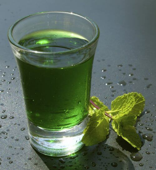 Green water with mint healthy