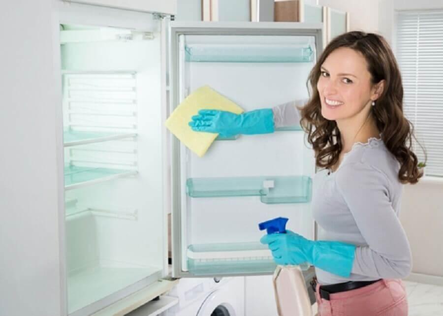 베이킹 소다와 식초를 청소에 활용하는 5가지 방법냉장고 청소