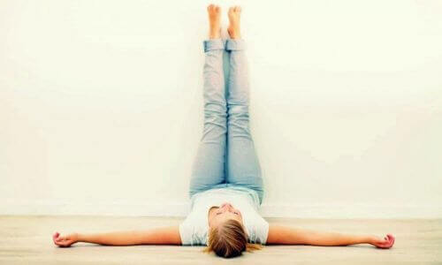 Benefits of Elevating Your Legs For 20 Minutes Per Day