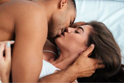 Kissing is important to have a good sexual relationship.