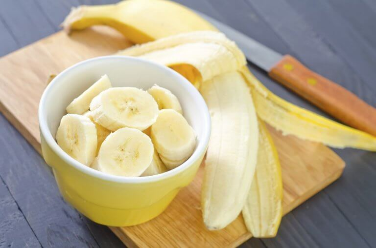 A bowl with banana slices