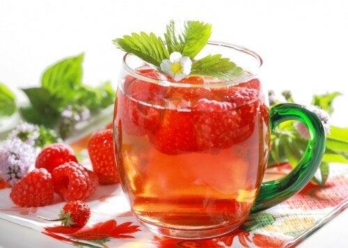 체중 감량에 도움이 되는 6가지 디톡스 음료