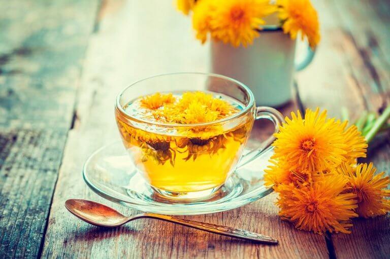 A cup of diuretic dandelion tea.