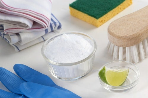 5 Easy Ways to Naturally Whiten Your Clothing