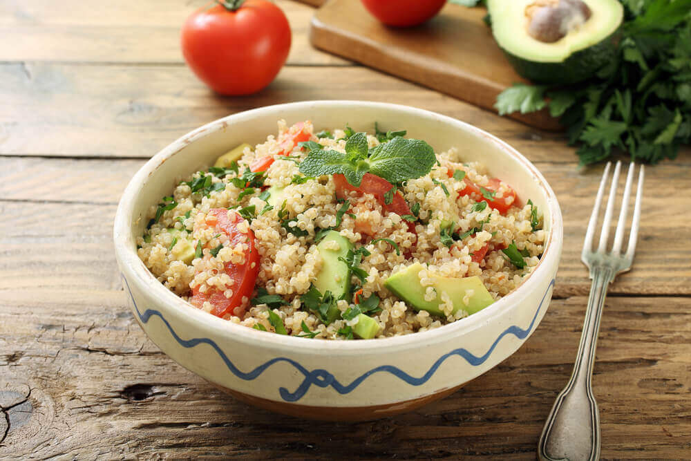 A bowl of quinoa which helps you lose weight.