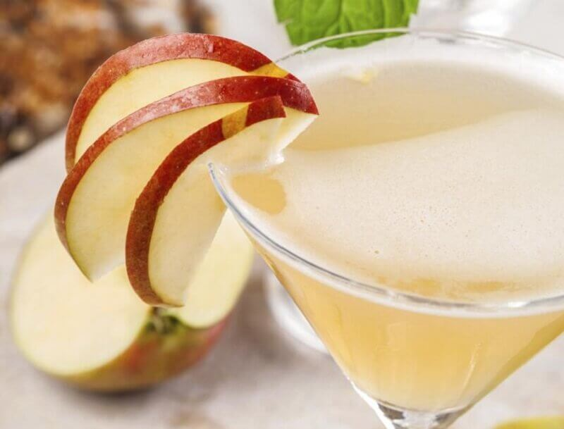 Slim-The-Abdomen-with-apple-juice