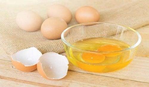 Mask from egg yolk