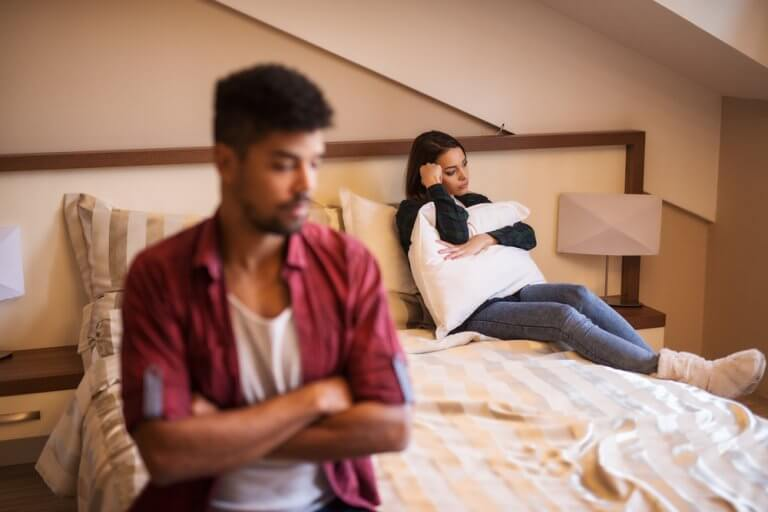 4 Signs Your Partner is Emotionally Cheating on You