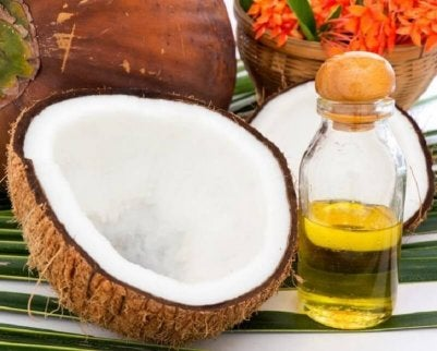stimulate hair growth with coconut oil