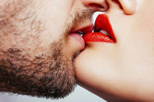 man and woman kissing; how to seduce your partner