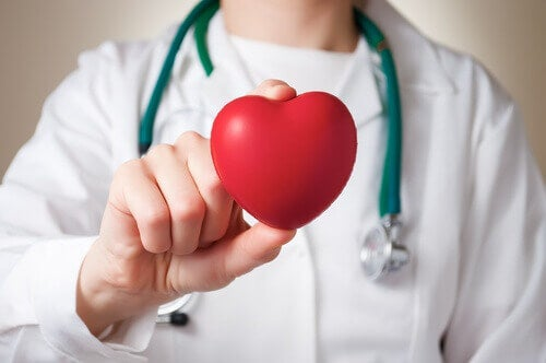 Do Women and Men Experience a Heart Attack Differently?