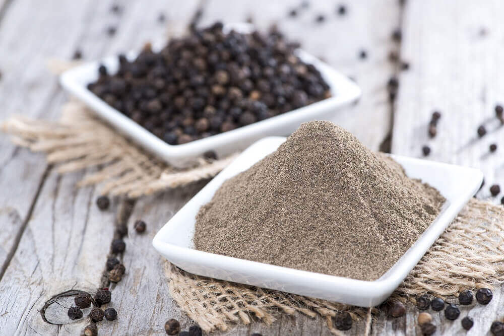 Black pepper and honey to combat sleep apnea