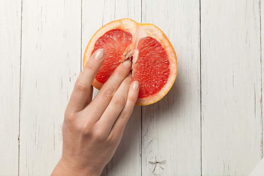fruit simulating female sex organ; how to stimulate the clitoris