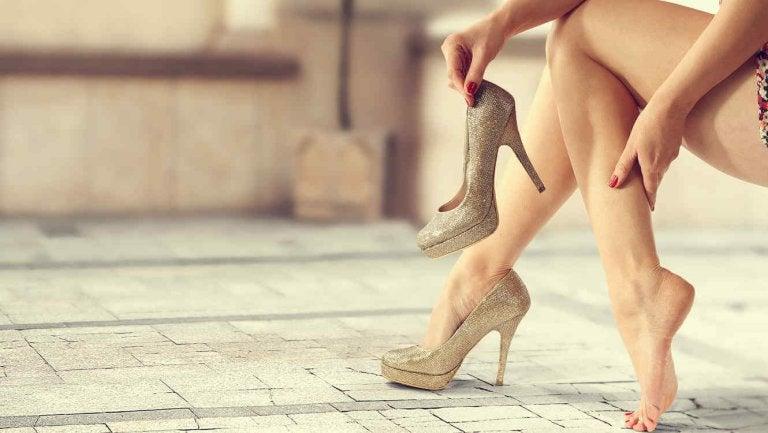 8 Tricks to Wearing High Heels All Night Long