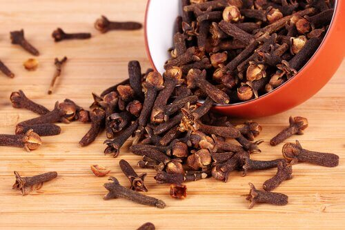 Scented cloves