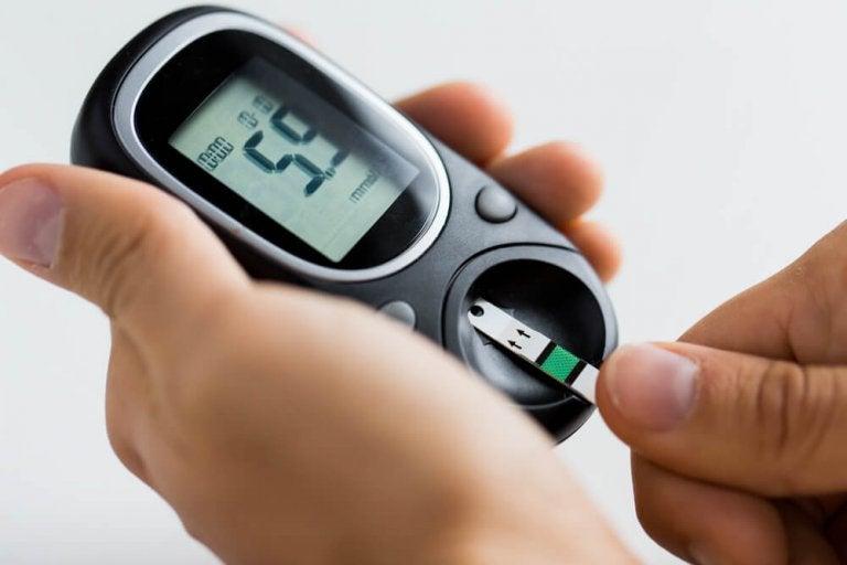 7 Ways to Control High Blood Sugar Levels