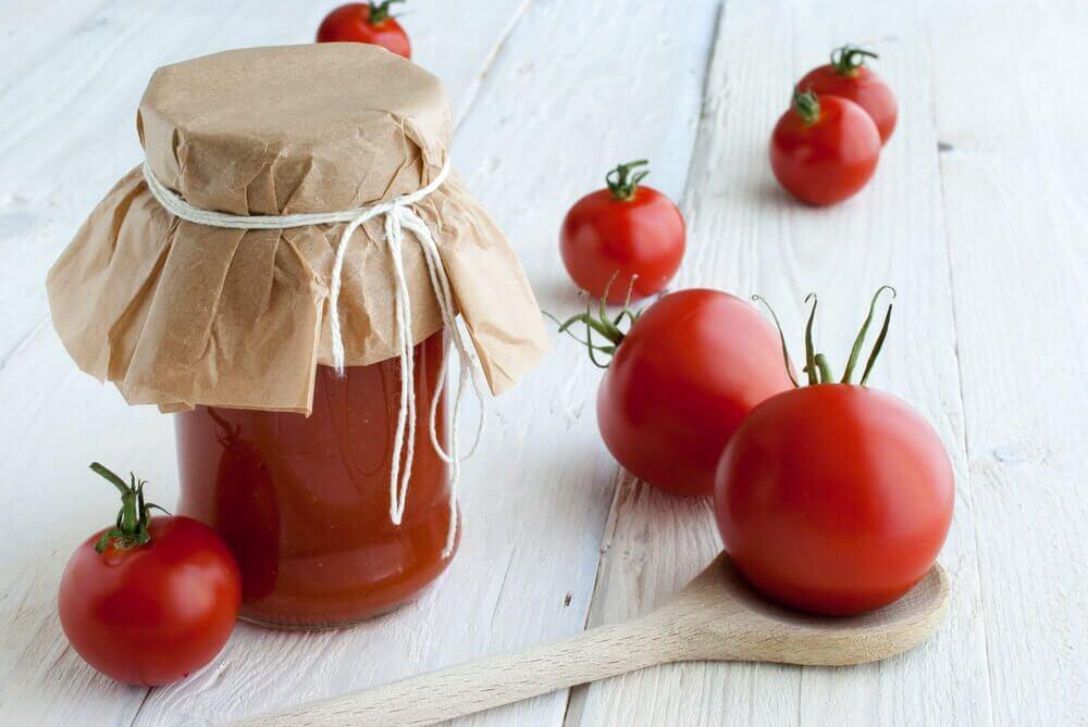 Tomato and cornmeal
