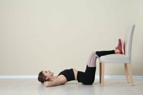 ab workout with a chair; 3 weeks to toned abs