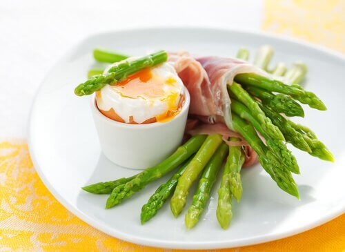 8 Amazing Health Benefits of Asparagus