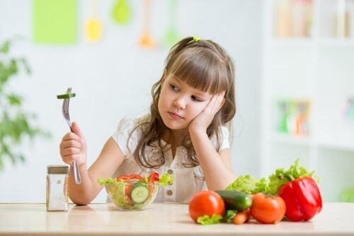 girl who doesn't want to eat fruits and vegetables
