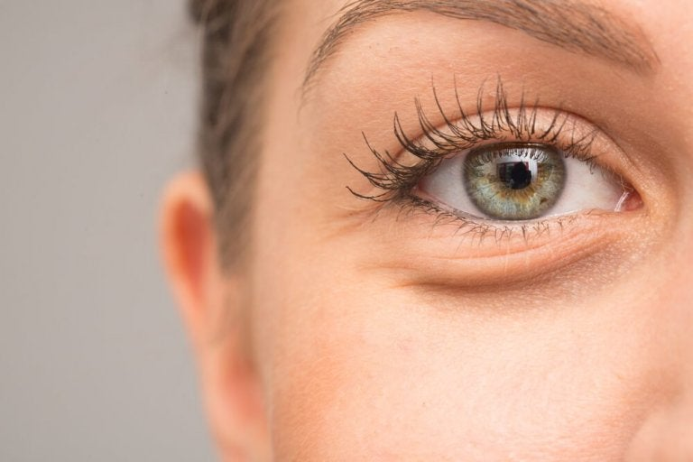 7 Possible Reasons Why Your Eyes Swell