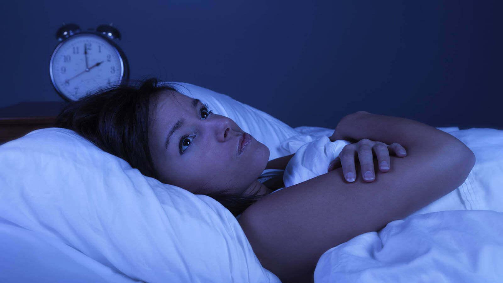 한밤중에 깨면 불면증