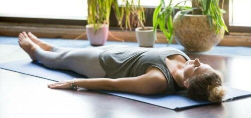 woman laying on mat; titben exercises for the whole body