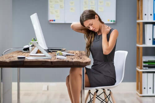 Learn How to Treat Neck Spasms