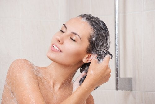 Use natural shampoo without salt