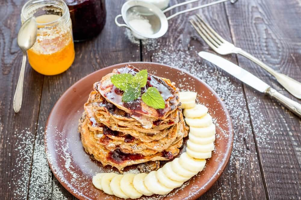 Healthy Breakfast: Oats, Banana, Cocoa, and Coconut Oil Pancakes